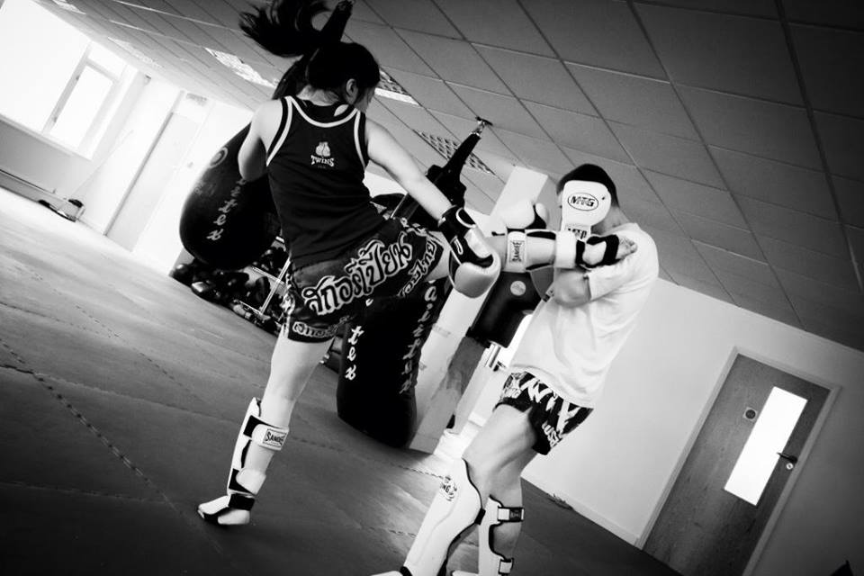 girl training muay thai