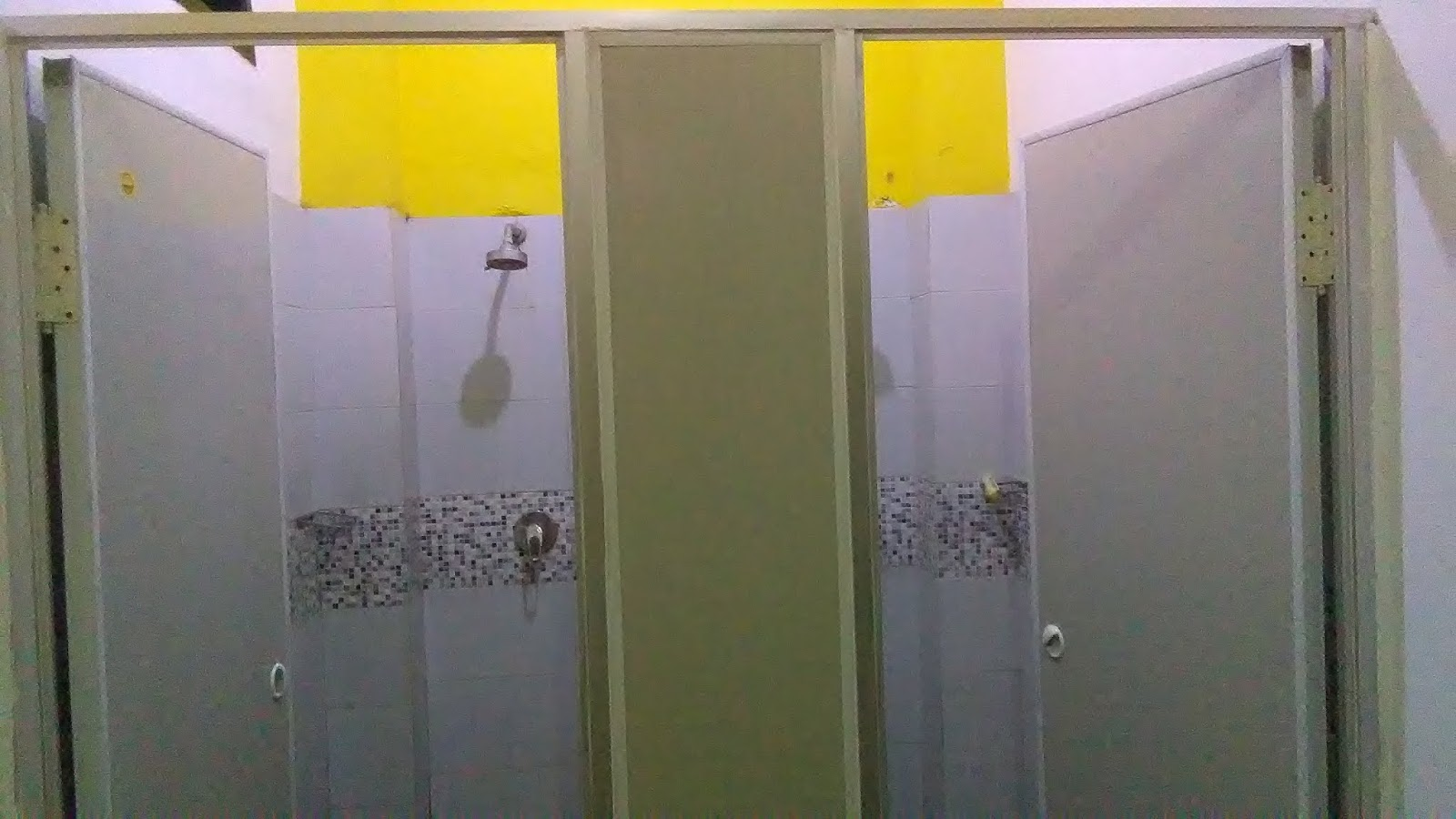 fasilitas bumi muay thai camp - shower room
